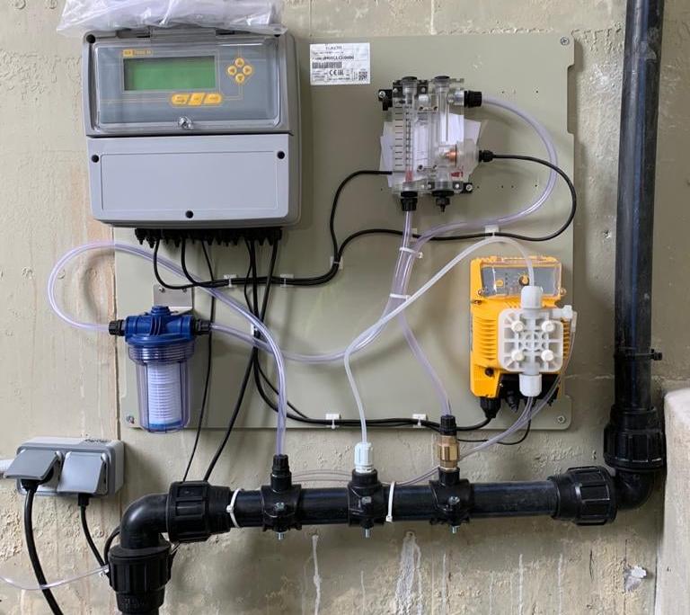 Instalación sistema cloración en continuo en depósitos de agua potable
